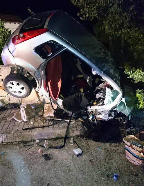 Dos personas fallecen en un accidente de tráfico en la carretera de Marxuquera a Barx