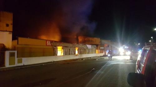Arden 4 naves industriales en la comarca de la Safor en menos de 12 horas
