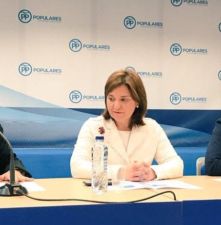 La líder del PP valenciano pide en Oliva coordinación a la hora de afrontar el proyecto del Tren de la Costa