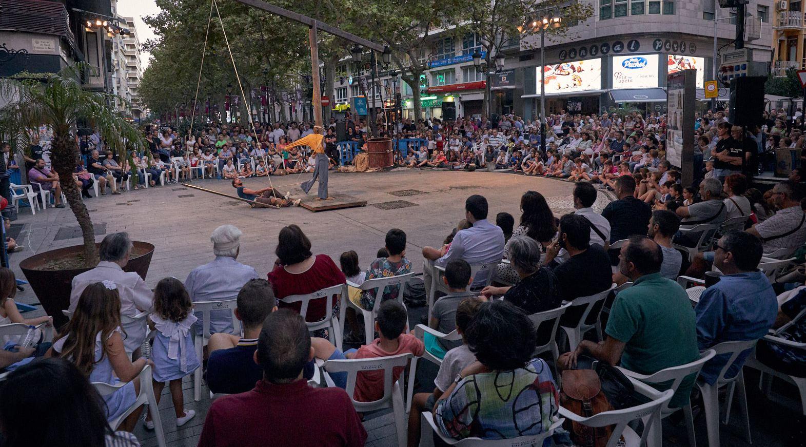 Asistencia masiva a los espectáculos durante la Fira i Festes