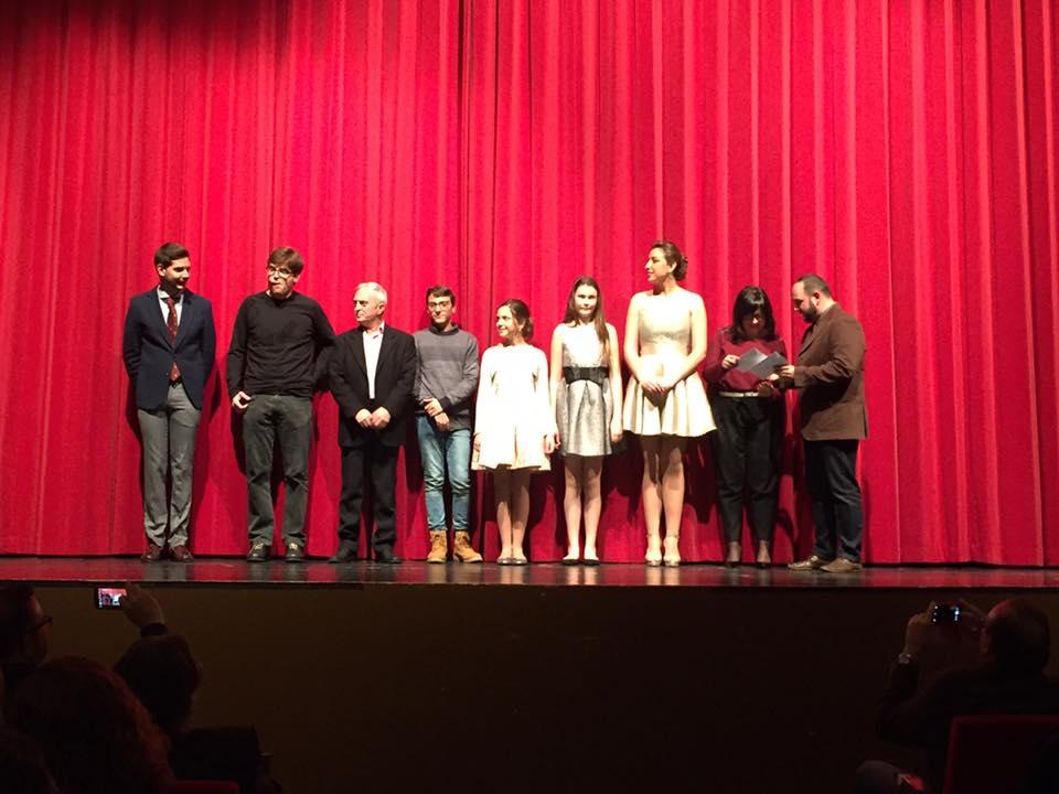 Las fallas de Gandia entregan sus premios literarios y del Ninot
