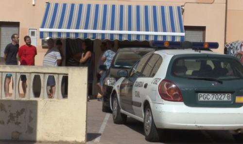 Las dos mujeres tiroteadas en la playa de Tavernes están heridas graves pero estables