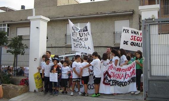 Cerrado el colegio de La Font d'En Carròs por orden de la Conselleria d'Educació
