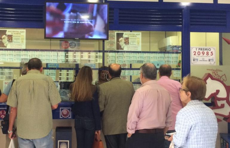 La Lotería Nacional deja 6 millones de euros en Gandia con el número 20.985