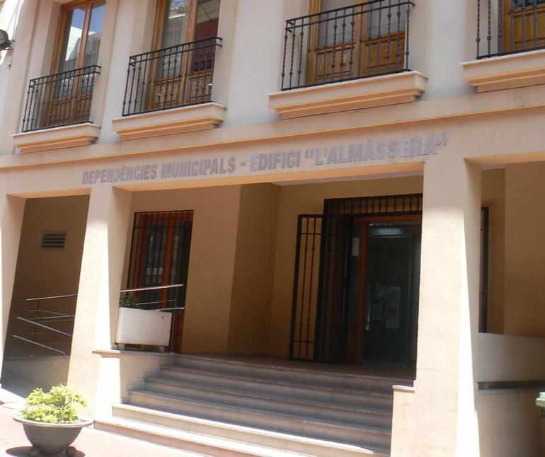 """Varios casos de """"lipoatrofia"""" entre los trabajadores del edificio l'Almàssera d'Oliva"""